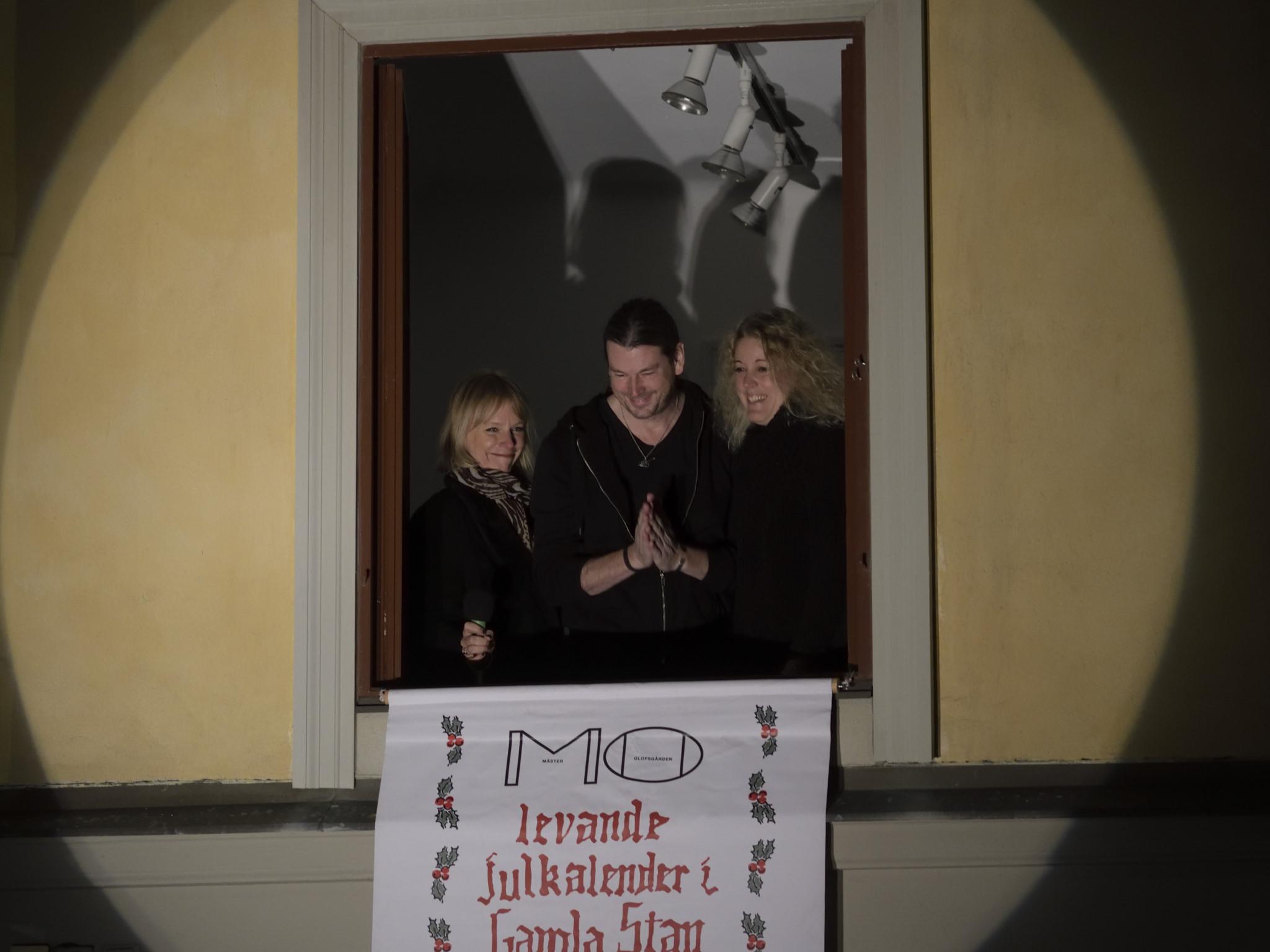 Levande Julkalender med Leffe Andersson och Eva Unger i Gamla Stan av Magnus Norden
