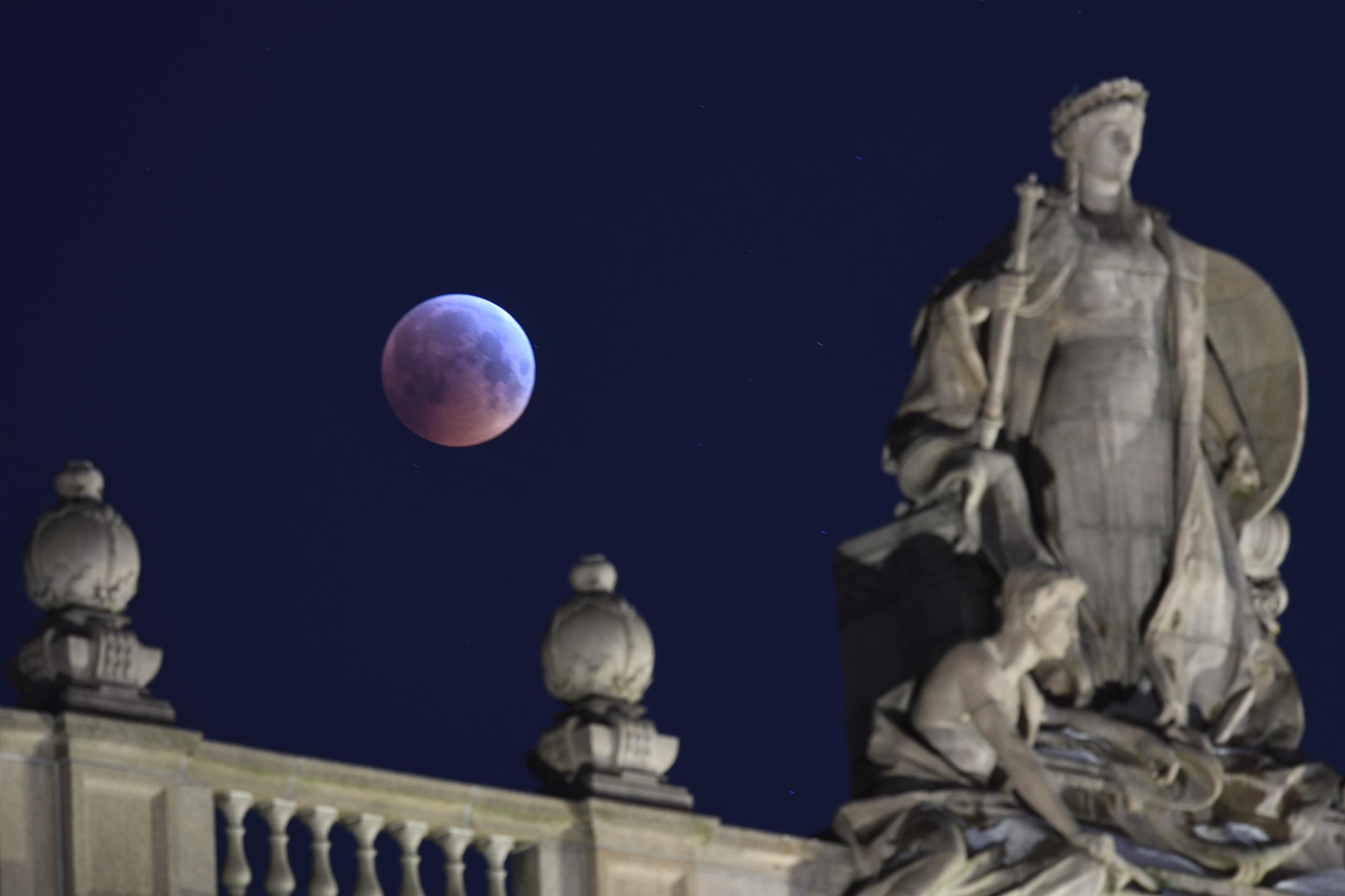Lunar Eclipse 2019 by Magnus Norden